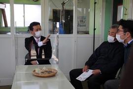 武雄地域鳥獣加工処理センターの関係者の皆さんと意見交換を行いました